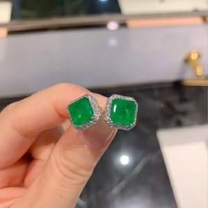 Ювелирные серьги «Emerald»