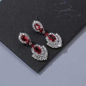 Ювелирные серьги с красными кристаллами «Лидия» 4,5 см