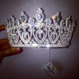 """Эксклюзивная корона Swarovski 7,7 см """"Мила"""""""